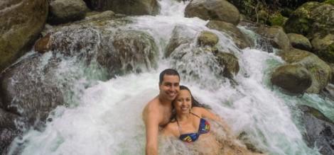 penedo-pousadas-cachoeiras-destino-romantico-viagem-casal-748x350