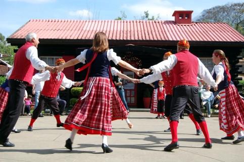 baile-finlandes-em-penedo-2016